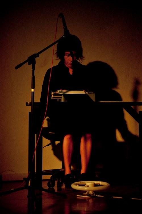 """""""Inercia"""" Coreografía e interpretación: Cristina  Audiovisuales: José Toral"""