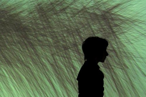 """""""Inercia"""" Coreografía e interpretación: Cristina  Audiovisuales: José Toral  Alianza Francesa Quito 2012"""