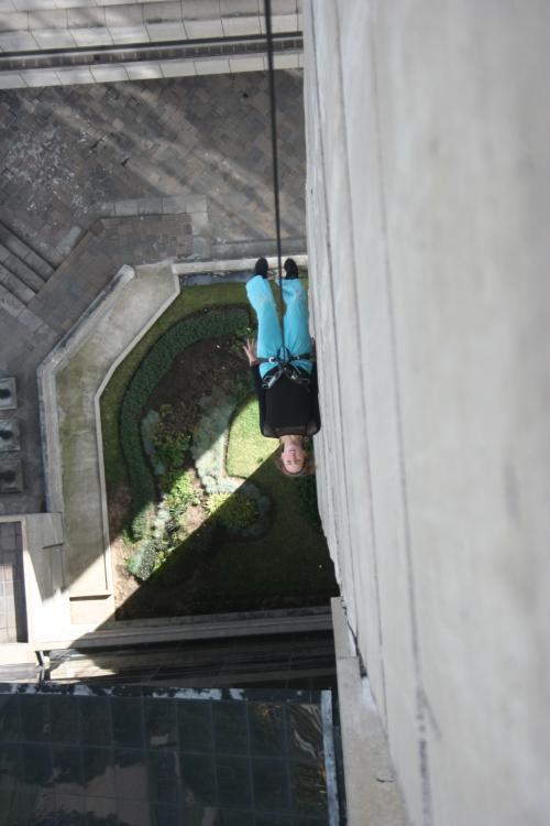 performance danza aérea para la Semana de Derechos Humanos 2008