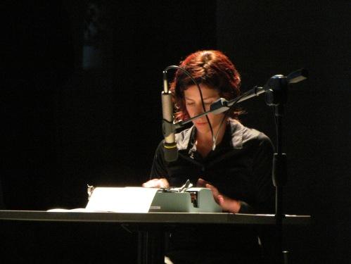 """""""Inercia"""" Coreografía e interpretación: Cristina  Audiovisuales: José Toral  Centro de Arte Contemporáneo 2012"""